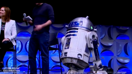 BB-8_droid_from_The_Force_Awakens_rolls_on_stage_at_Star_Wars_Celebration_Anaheim_-_YouTube_-_2015-09-06_19.50.06