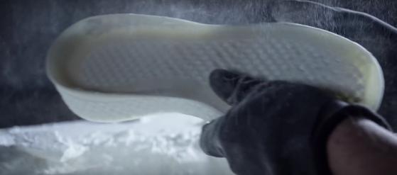 Adidas_Futurecraft_3D._Έτσι_θα_είναι_το_αθλητικό_παπούτσι_του_μέλλοντος_-_2015-10-09_21.27.45